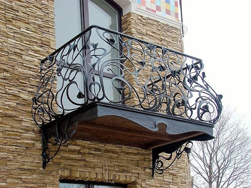 Кованые балконные и лестничные ограждения